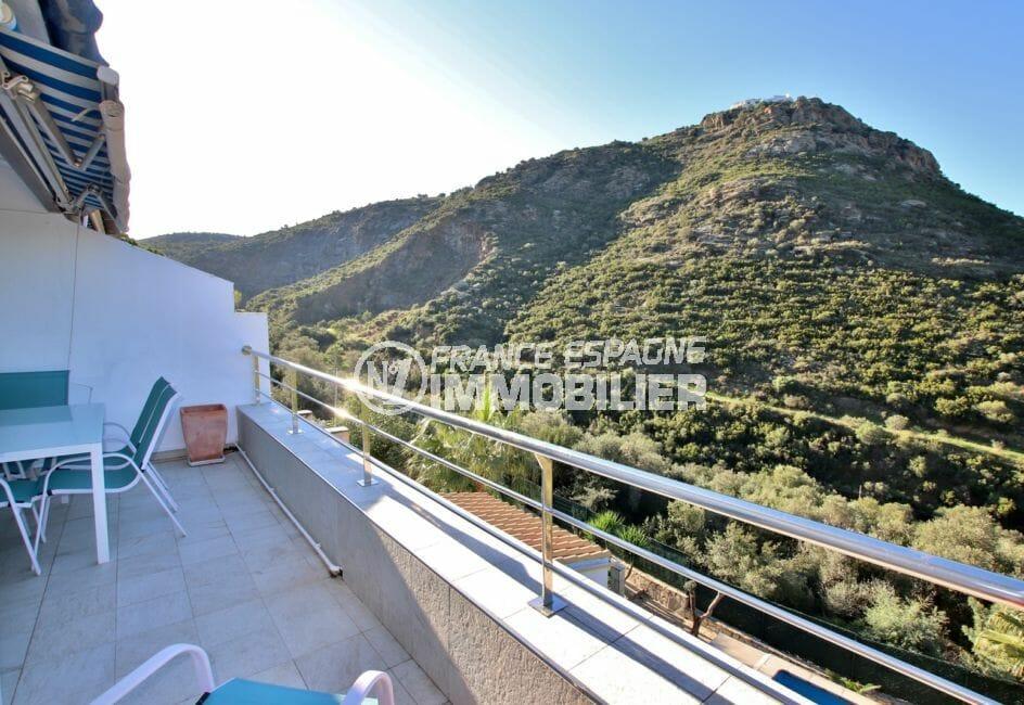 appartement à vendre à rosas, parking, terrasse avec vue sur les montagnes et la mer