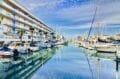 acheter appartement rosas, aperçu des embarcadères et voiliers à proximité