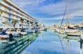 immocenter roses: appartement 50 m², aperçu de la marina face à la résidence