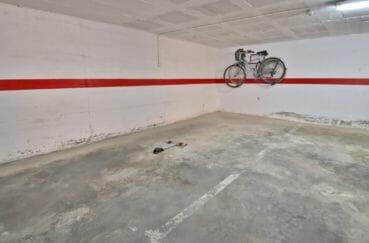 la costa brava: appartement 74 m², aperçu de la place de parking privé en sous-sol