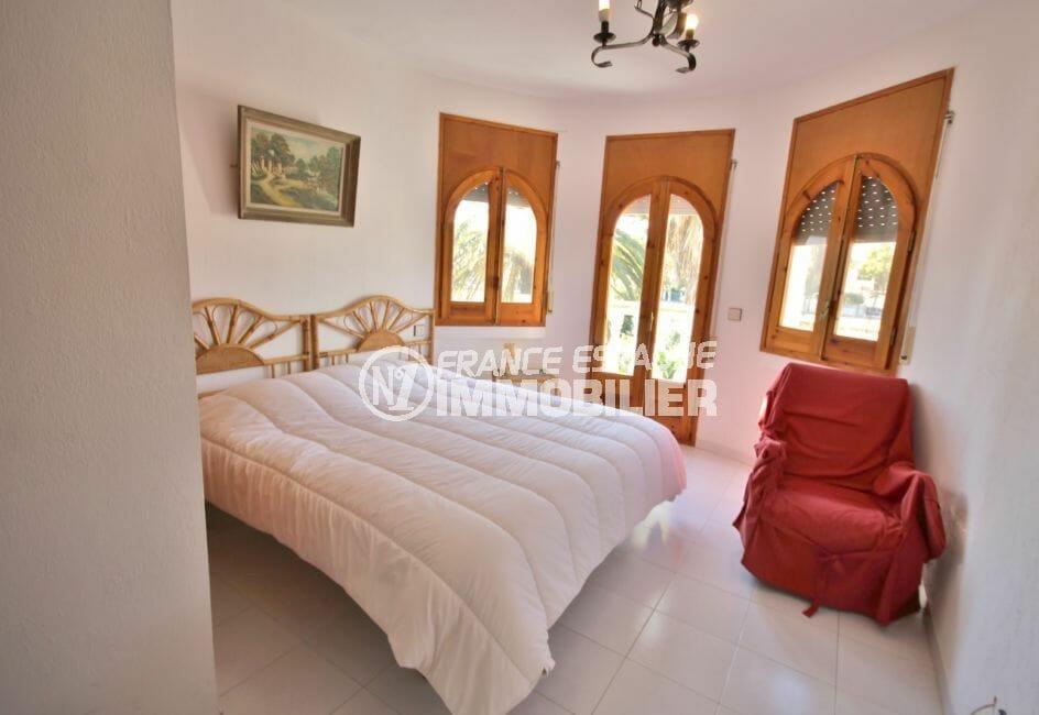 la costa brava: villa 172 m², première chambre dans appartement indépendant