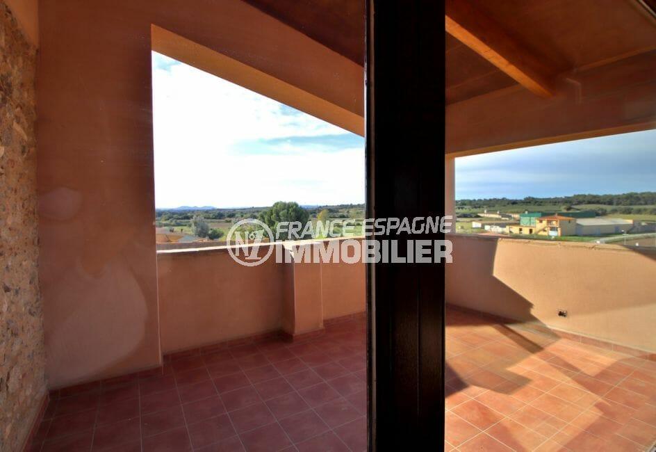 vente immobilière espagne costa brava: villa 581 m², terrasse vue dégagée accès salle de jeux