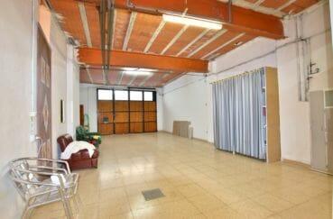 vente villa rosas, 260 m², grand garage pour 5 voitures avec rangements