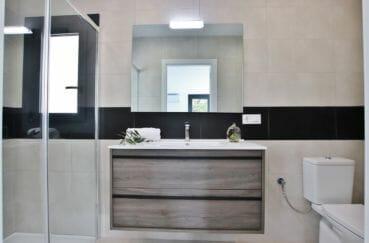 maison a vendre a rosas, 3 chambres 105 m², 1° salle d'eau avec douche italienne et wc