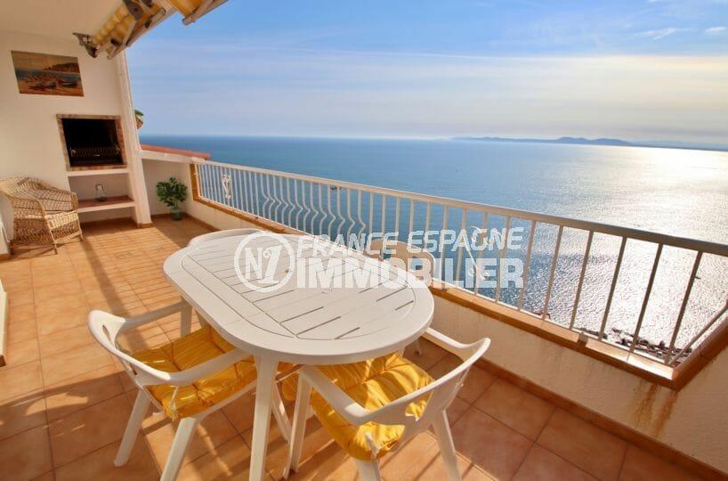 vente appartement rosas, secteur prisé grande terrasse avec vue mer à 180°