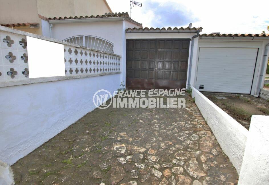 maison empuriabrava: villa 65 m², parking cour intérieure, secteur calme