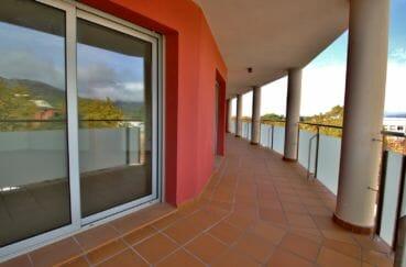 agence immobiliere costa brava: appartement centre-ville, terrasse de 37 m² accès salon