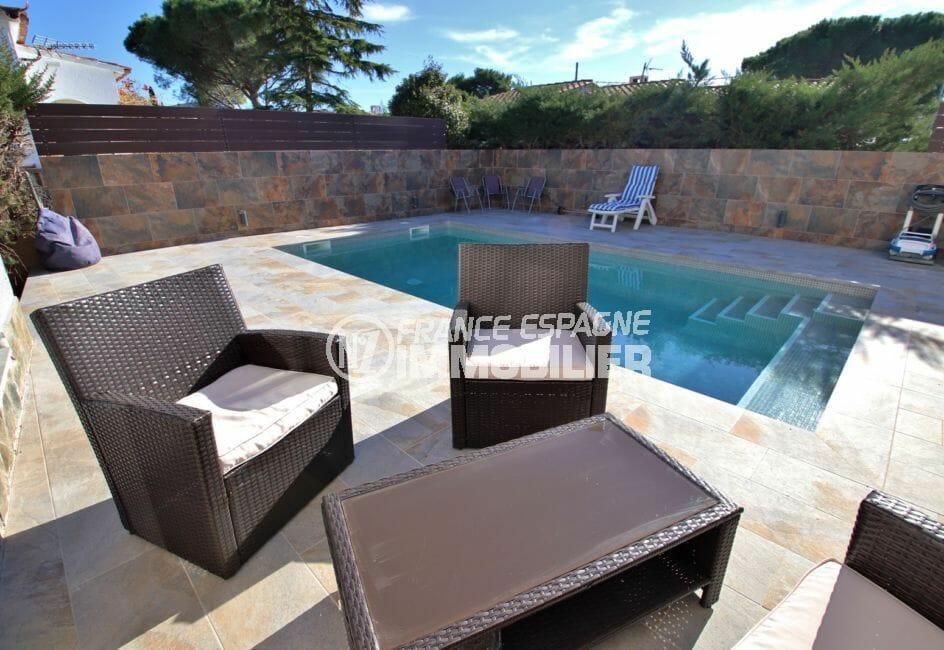 maison roses: à vendre, villa 140 m² rénovée, piscine 6,5 m x 3,5 m, exposition sud