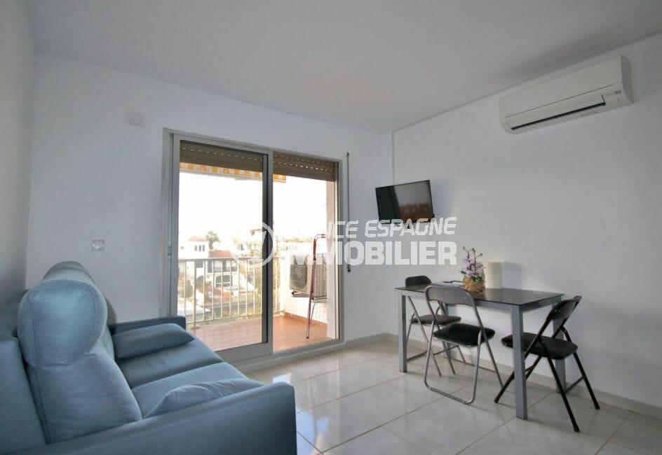 vente appartement empuriabrava: 2 pièces 37 m², salon/séjour avec terrasse vue sur canal
