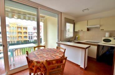 achat appartement empuriabrava: 46 m², salle à manger avec coin cuisine américaine