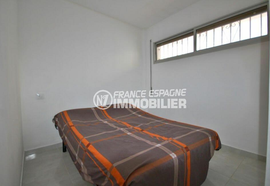 achat appartement empuriabrava: 2 pièces 37 m², chambre à coucher avec climatisisation