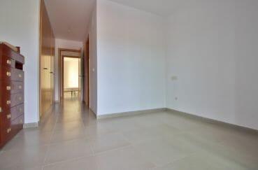achat appartement rosas 108 m², hall d'entrée lumineux, carrelage au sol