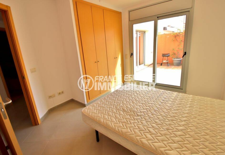 appartements a vendre a rosas 108 m², 1° chambre avec accès terrasse, armoire/penderie encastrée