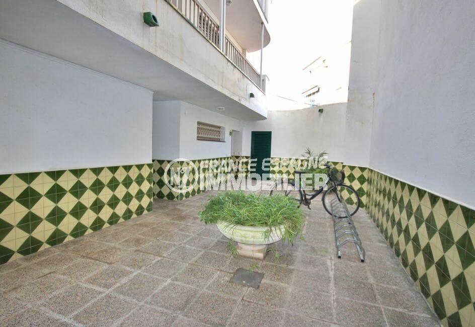 agence empuriabrava: à vendre 2 pièces 37 m², hall d'entrée de l'immeuble