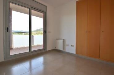 vente appartement rosas espagne, proche plage, suite parentale avec placards accès terrasse