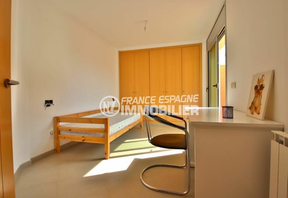 acheter appartement rosas 108 m², 2° chambre avec accès terrasse, armoire/penderie encastrée