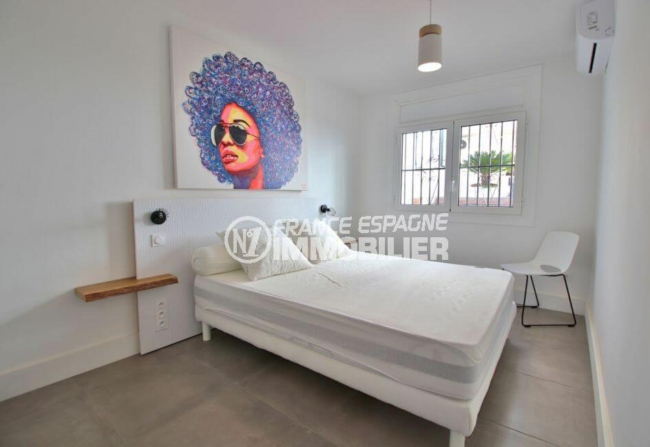 vente appartement rosas espagne, proche plage, deuxième chambre avec un lit double