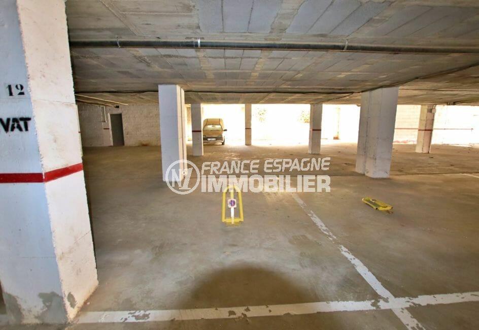 appartement empuria brava: 4 pièces 65 m², parking en sous-sol, empuriabrava