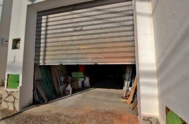 la costa brava: appartement secteur prisé rosas, aperçu du garage