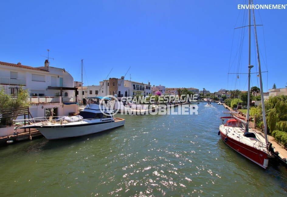 terrasse avec vue sur canal, amarre 7 m, santa margarida, roses