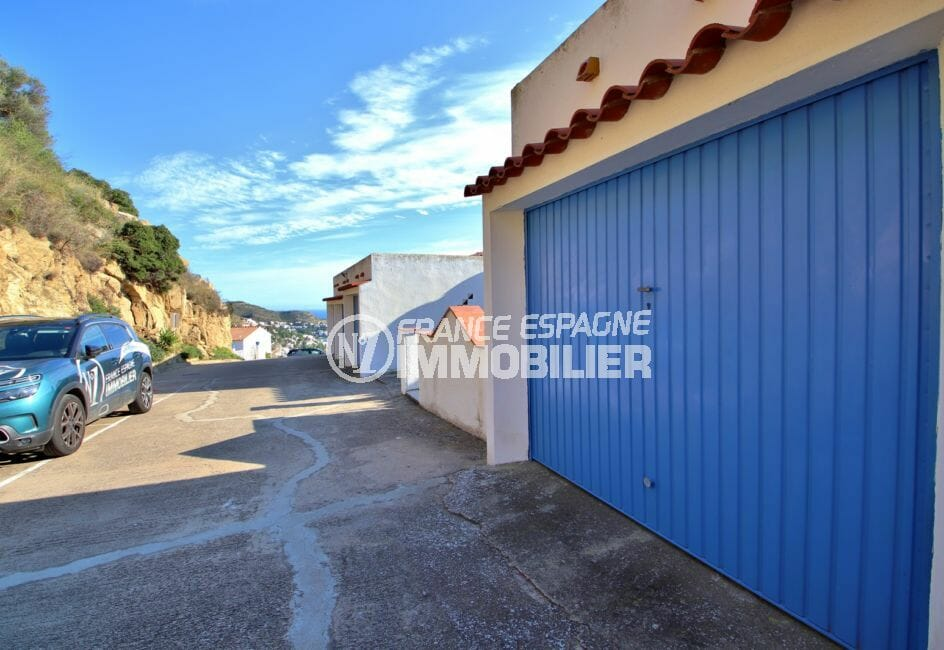 immocenter roses: appartement 67 m², possibilité garage près de la résidence