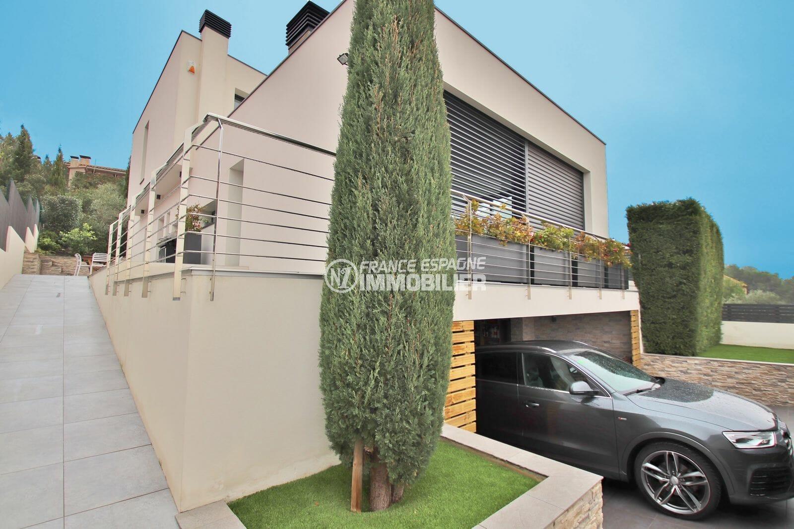 maison a vendre rosas, villa contemporaine neuve avec piscine et grand garage