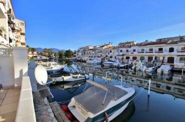 agence empuriabrava: appartement 58 m², terrasse vue canal, 2 places de parking