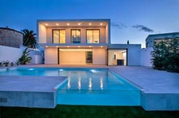 immobilier ampuriabrava: magnifique villa 334 m², terrain 668 m², piscine,