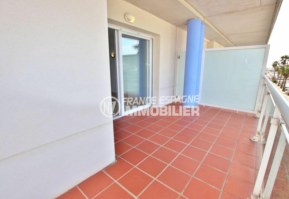 appartement a vendre costa brava, 67 m² avec piscine communautaire, terrasse de 10 m² vue marina
