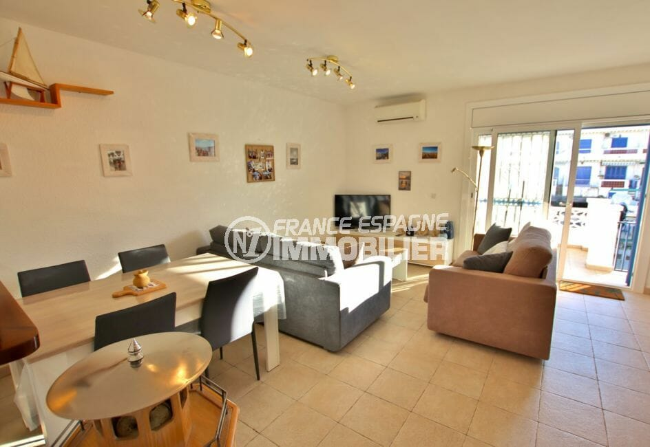 achat appartement empuriabrava: appartement 58 m², salon, terrasse de 15 m², vue canal