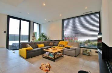 maison a vendre roses: villa 215 m², salon / séjour lumineux accès terrasse
