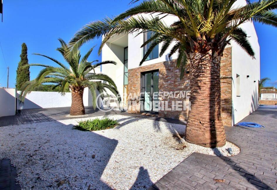 agence immobilière empuriabrava: villa 334 m², garage 25 m² et parking cour intérieur