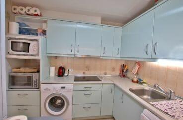 agence empuriabrava: appartement 58 m², cuisine américaire, nombreux rangement