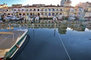 appartement a vendre costa brava: appartement 58 m², vue de la terrasse sur canal