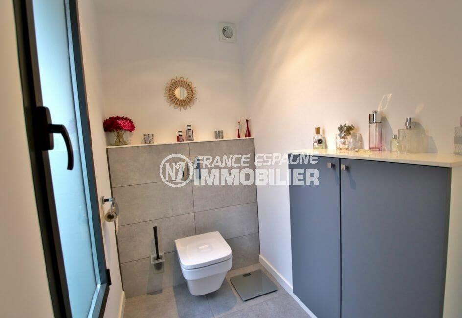 vente immobilier espagne costa brava: villa 215 m², toilettes séparés de la suite parentale