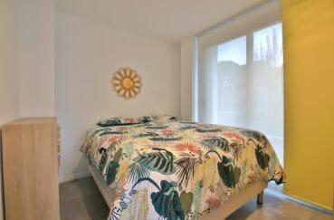 immo center rosas: villa piscine, deuxième chambre avec lit double accès terrasse