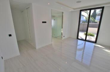 maison a vendre empuriabrava avec amarre: villa 334 m², hall d'entrée spacieux, lumineux