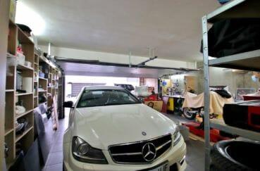 vente villa rosas, terrain de 418 m², grand garage de 46 m² avec rangements