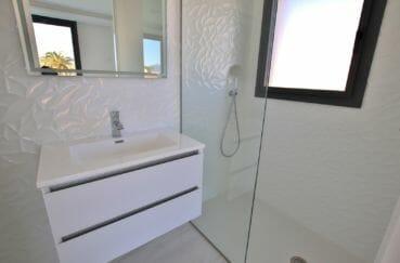 achat maison costa brava: villa 334 m², salle d'eau avec douche, suite parentale
