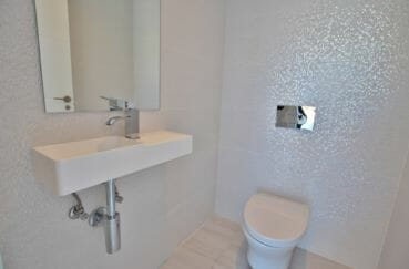vente immobilier costa brava: villa 334 m², salle d'eau avec douche et wc