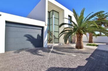 vente immobiliere costa brava:   garage 25 m² et parking cour intérieur
