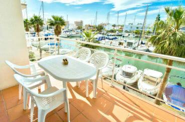 vente appartement rosas: vente appartement 67 m², terrasse 10 m² avec vue marina, résidence avec piscine
