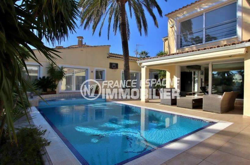maison a vendre empuria brava, avec piscine, garage / parking et amarre proche plage
