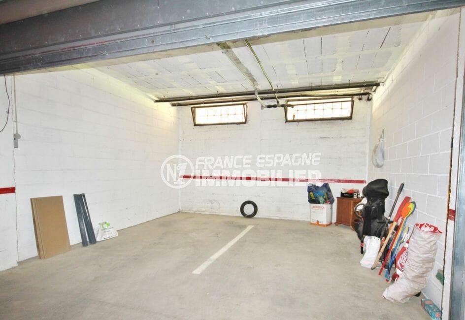 agence empuriabrava: garage en sous-sol pour 2 voitures, plage à 100 m