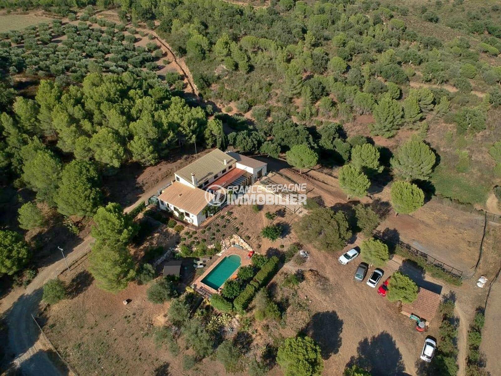 maison a vendre espagne, proche roses, villa 280 m² sur terrain 5678 m² beau mas tout équipé pour chevaux, piscine