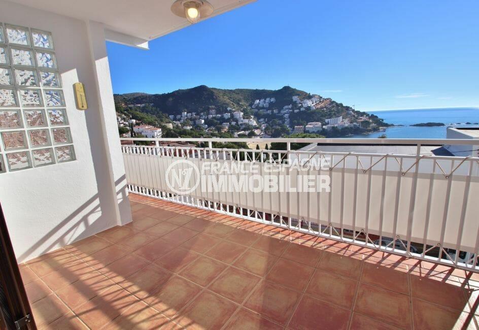 canyelles petites : vente appartement avec grande terrasse vue mer