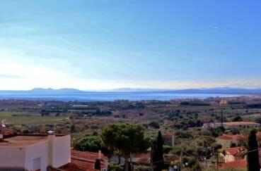 immo roses: villa 192 m², magnifique vue sur la mer depuis la terrasse