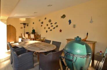 maison a vendre a empuriabrava, canal, terrasse couverte avec cuisine d'été