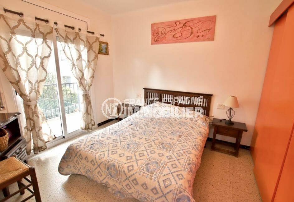 agence immobiliere costa brava: 5 pièces 62 m², 1° chambre, armoire encastrée, terrasse