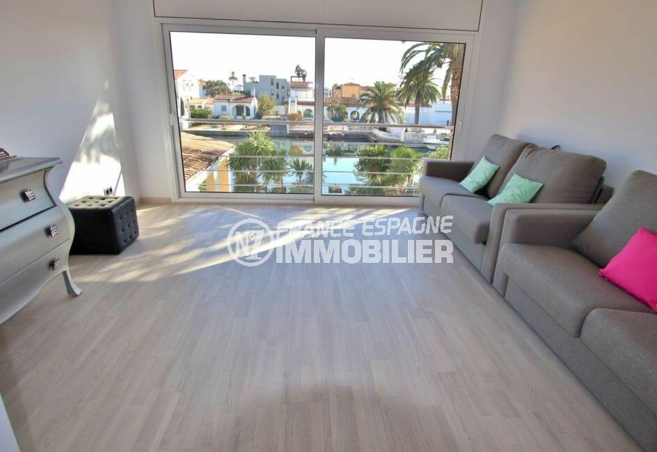 la costa brava: villa 282 m², chambre avec magnifique vue sur le canal